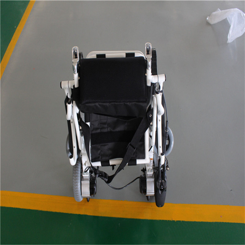 fauteuil roulant lectrique pliable ca5513 handi ripi. Black Bedroom Furniture Sets. Home Design Ideas